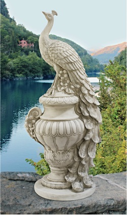 Peacock_statue